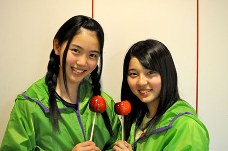 ダブル主演となった「アルプスおとめ」葛西さん(写真左)、福士さん(写真右)